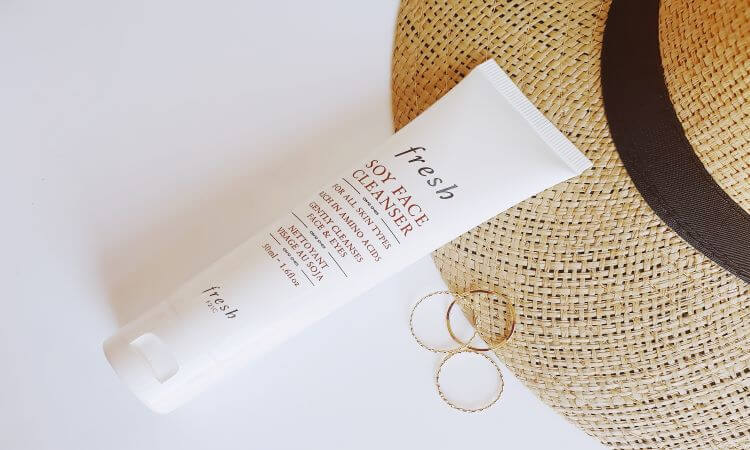 Reviewing Fresh's Soy Face Cleanser